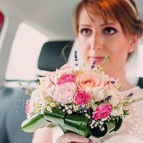 Bridal Bouquet   www.danielgritu.rowith @cristinacatalinaberes @danielgritu_photographymore photos here: http://danielgritu.ro/fotografie-de-nunta/fotografie-de-nunta-cristina-si-andrei-nunta-breaza/