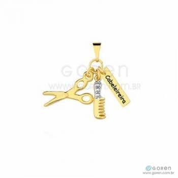 Pingente Cabeleireira folheado a ouro, com aplicação de detalhes em banho ródio