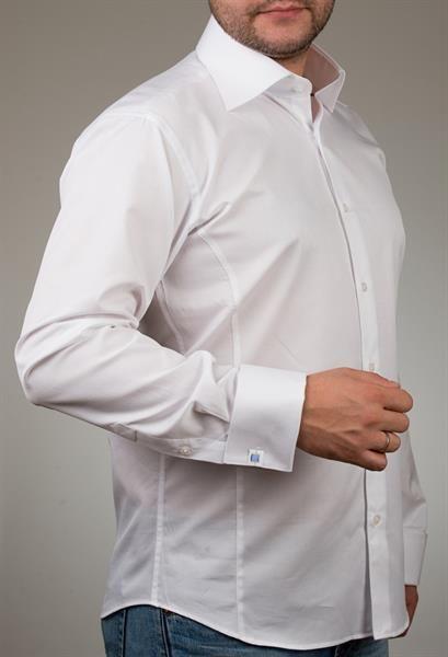 Белая рубашка с запонками