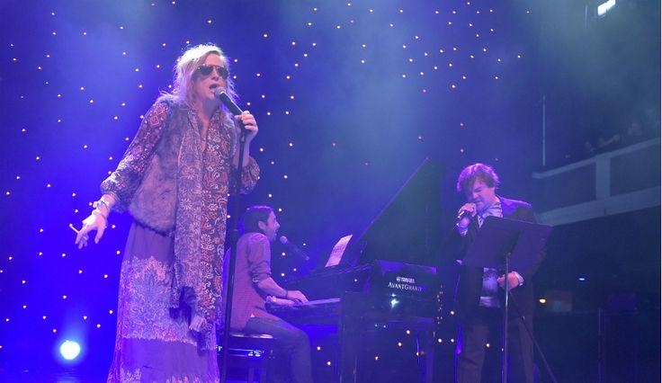 Comedy & Music Come Together As Amy Poehler & Jack Black Sing Bette Midler Song At Festival Supreme
