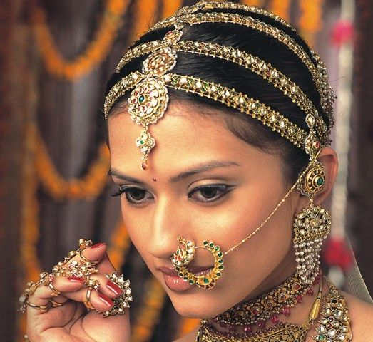 Amazing Headwear Indian Bride Amp Nosering Goverdhan Play