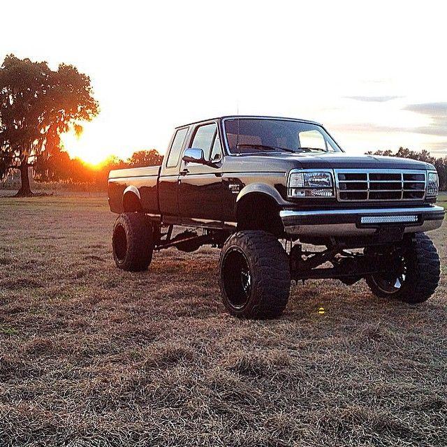 My favorite OBS on IG @hunterleggett @hunterleggett @hunterleggett #powerstroke #powerstrokes #powerstrokenation #powerstrokephotos #powerstrokesdaily #obs #obsfords #obspowerstrokes #f250 #ford #forddiesel #forddieseltrucks #lifted #liftedtrucks #turbo #trucks #turbodiesel #seven3 #superduty #seven3mafia #sevenpointthree #7_3 #7point3 #7point3kings #rollcoal #racetruck #coalrollers #