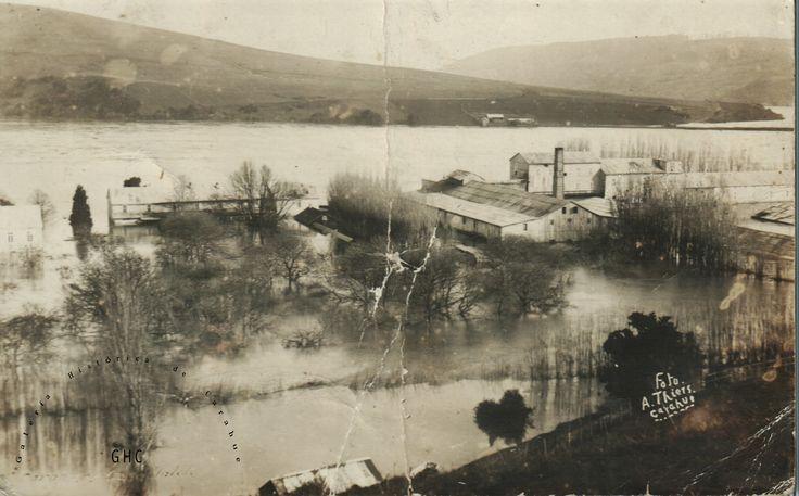 Galería Histórica de Carahue. Cultura Ribereña: Inundación en Villa Estación. 1922 ----#reverside------#ghc #carahue #memoria #patrimoniofotografico #galeriahistoricadecarahue