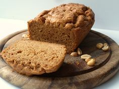 Ik hou best van tussendoortjes, maar mag geen koolhydraten tussendoor. Dit pindakaasbrood is daarom ideaal! Heerlijk en ook nog eens heel simpel.