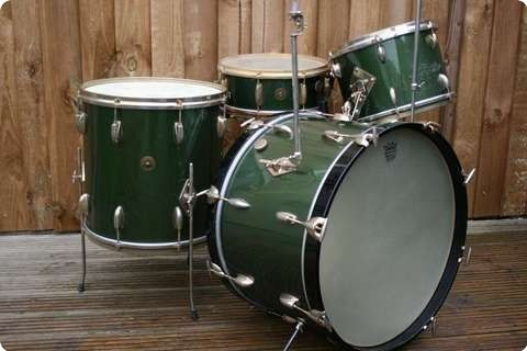"Gretsch / 'Birdland' Round Badge 22, 13, 16 & Snare / Cadillac Green / Mid 1950´s - ""In the opinion of noted vintage drum expert, Steve Maxwell of Chicago, this is the rarest and possibly the most desirable of all Gretsch kits."""