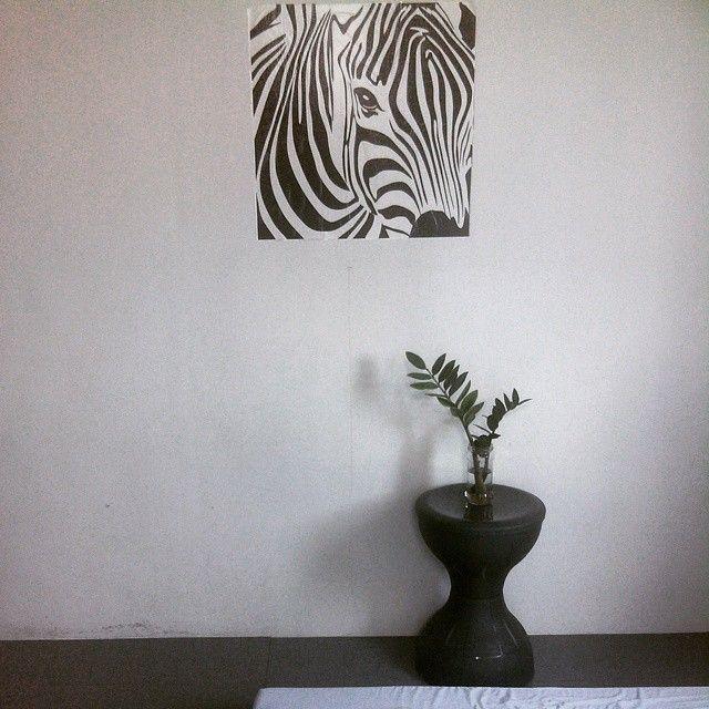 Zebra decal, tamtam stool
