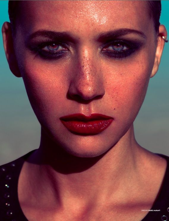 Rashida Jones Sexy Photo Shoot Makeover