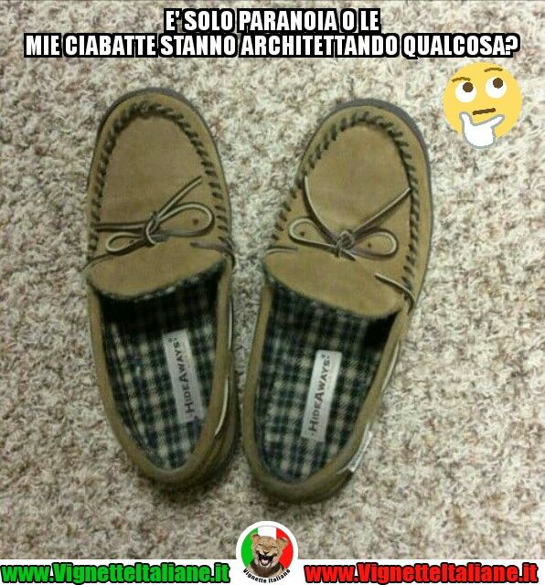 Le #ciabatte perfide #vignetteitaliane.it #vignette #italiane #immagini #divertenti #lol #funnypics #umorismo #humour #humor #ridere #risate