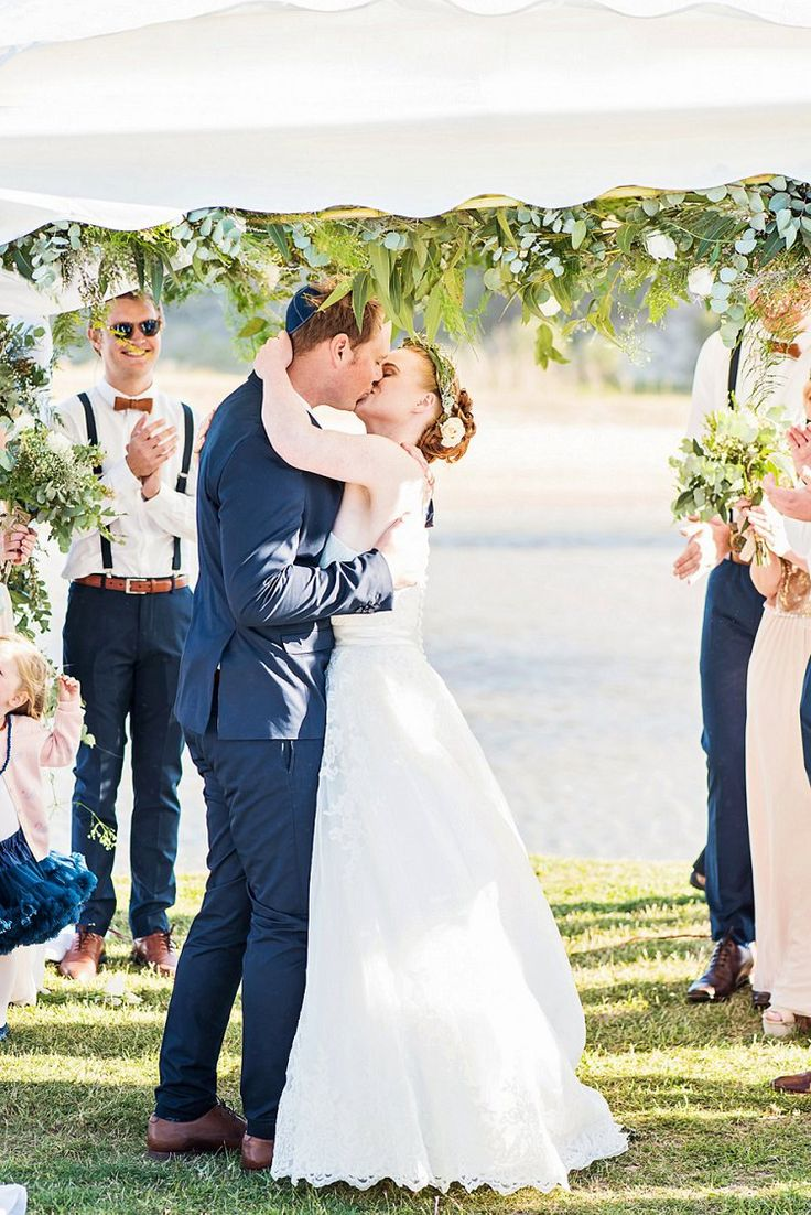 winter wonderland wedding south africa%0A First kiss under the Chuppah   Outdoor Jewish wedding in Eastern Cape  South  Africa