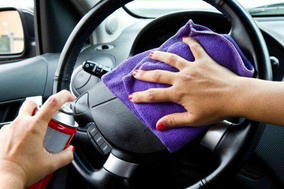 È arrivato il momento di lavare l'auto? Ecco per te i nostri consigli sui migliori prodotti da usare per far tornare interni e sedili dell'auto