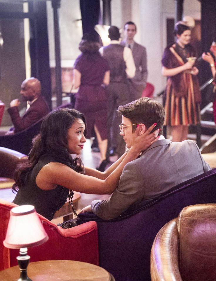 The Flash 2x13 - Barry & Iris - Earth 2 (HD)