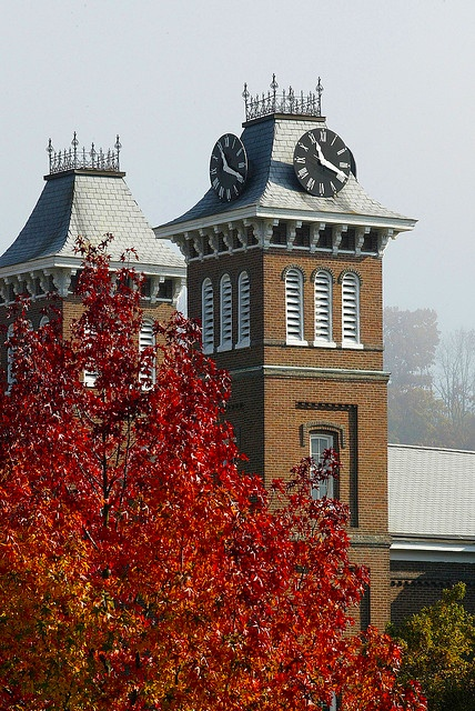 The clock tower of Old Main, constructed in 1870 and designated as a historic public landmark by the Washington County History and Landmarks Foundation. #caluofpa