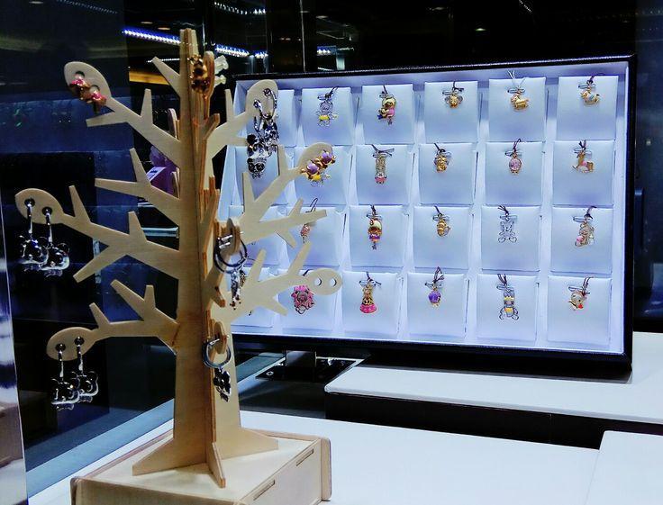 KateHarry Jewellery on display.   #folomefashion #folome #jewellery #diamond #kateharry