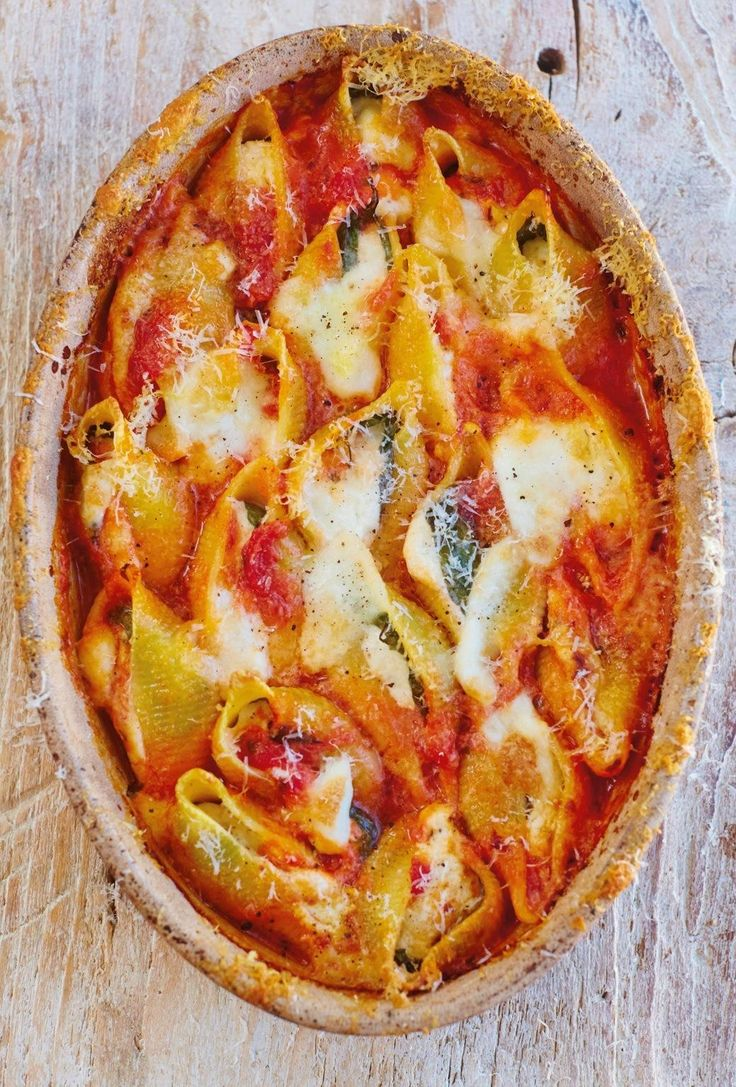 This baked tomato and cheese conchiglioni recipe is a simple, indulgent…