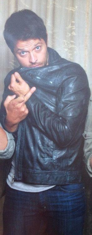 Misha Collins was so bad boy in this photo op. #BadBoy #LikeDean #AHBL5