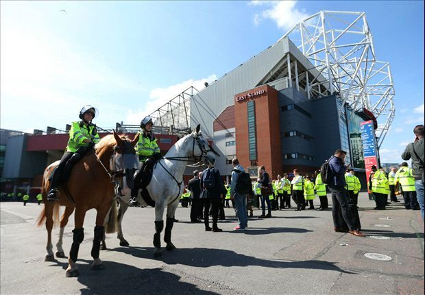 Police confirm bomb hoax at Old Trafford after Manchester United's abandoned match