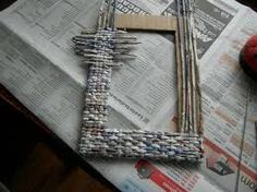 Resultado de imagen para manualidades portaretratos con papel y carton                                                                                                                                                     Más