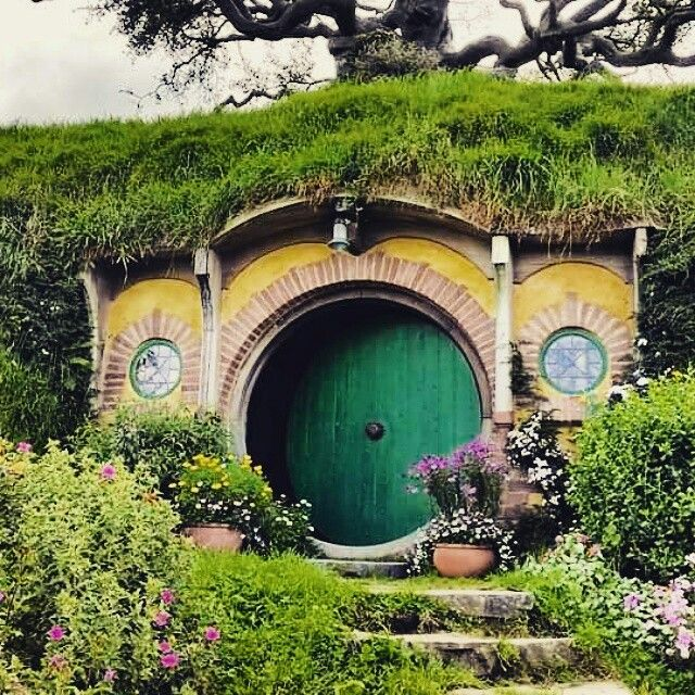 Hobbiton Movie Set in matamata New Zealand