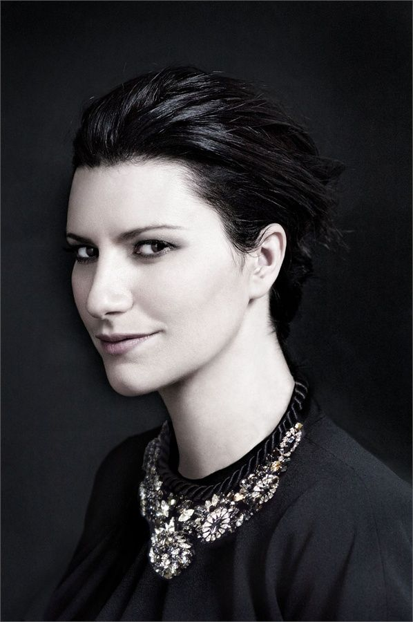 Laura Pausini in Giorgio #Armani clothing