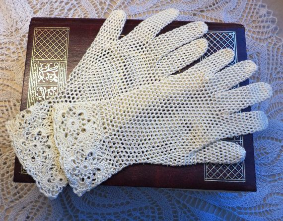Vintage Style Crochet Lace Gloves  Cream by WillowFairyJewelry, $46.00