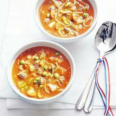 gevulde tomaten-groentensoep met balletjes