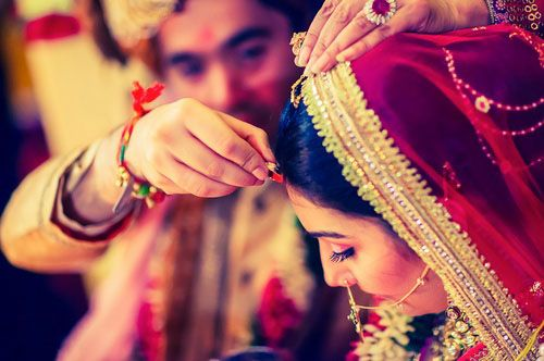 "#AgarwalMatrimonial  ""Loving someone JUST for the looks is not a real love and the person is not the right life partner for you.""  Do you agree? Yes/No..............  Find your love with us.... http://www.agarwal-matrimonial.truelymarry.com/"