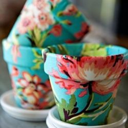 flower flower pot!: Terra Cotta, Idea, Terracotta Can, Mod Podge, Flowers Pots, Modpodge, Clay Pots, Fabrics Flowers, Fabrics Covers