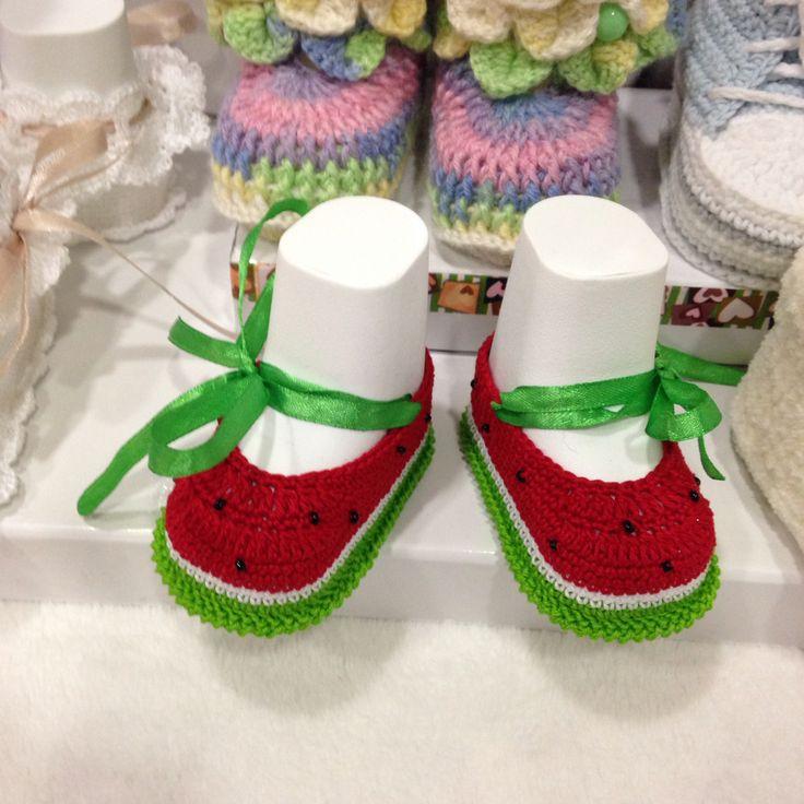 Пинетки-туфельки Арбузики продаются, размер - 9 см. Связаны из хлопка, бисер чешский ввязан в пинетку. К юбке можно сделать юбку пачку (tutu).