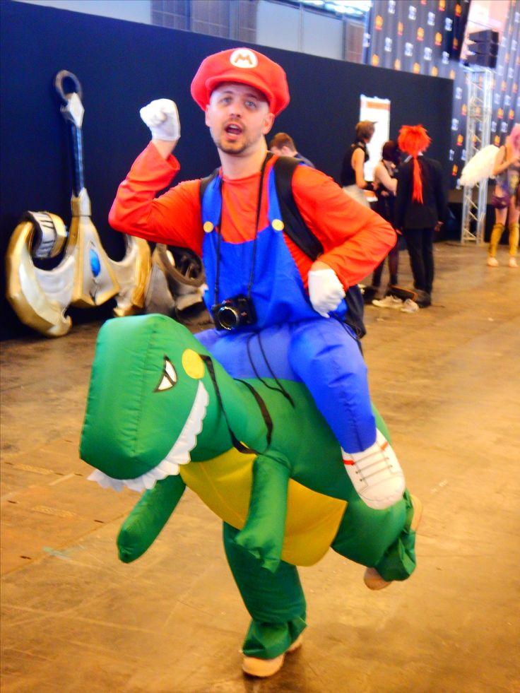 Cosplay d'un plombier pas si anonyme #Mario