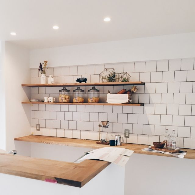 ぷっくりツヤツヤがたまらない♪ タイル使いのキッチン | RoomClip mag | 暮らしとインテリアのwebマガジン