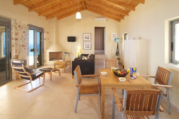 Set in a well exposed position facing East, Aethera is an exclusive member of the enclave of just a handful of quality villas that hug the upper contours of Old Skala.