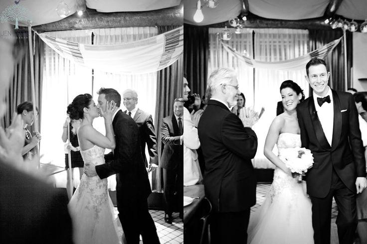 """Algunas bodas nos hacen llorar en el momento del vals, porque es cuando vemos a la pareja bailar abrazados con tanto amor, viéndose a los ojos, felices y regocijados. Nos muestran su lado romántico donde sin pudor y sin reservas … <span class=""""link-beh"""" onClick=""""javascript:location.href='http://zankyou.terra.com.mx/p/la-mejor-lista-de-canciones-para-el-vals-de-boda';"""" >Seguir leyendo <span class=""""meta-nav"""">→</span></span>"""