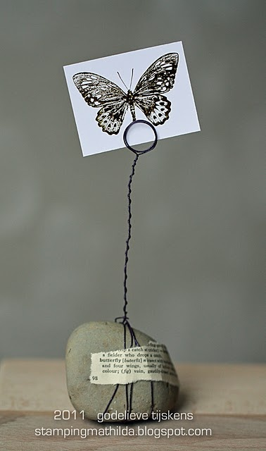 simple photo holder DO A CHIPART SQUARE WITH A WORD ON LEATHER AND SHARE ON BLOG