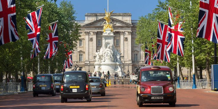 12+Things+You+Didn't+Know+About+Buckingham+Palace - GoodHousekeeping.com