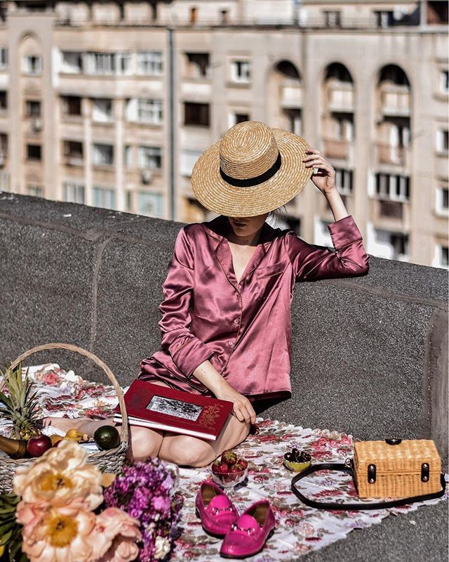 How to Become A Successful #Instagram #Fashion Blogger  Interview with top fashion icon Andreea Birsan #StrawHat #Summerphotography