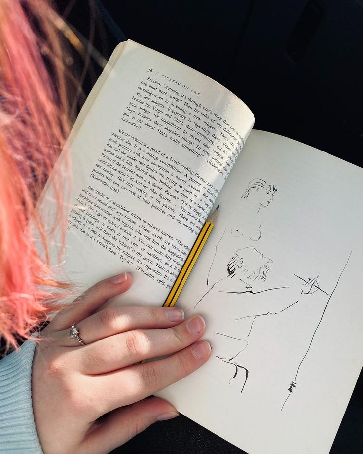 "Annie Porsa on Instagram: ""Lost in art books this festive season 📖✨ • • #artsy #artsyaesthetic #aesthetic #vibes #booksofinstagram #bookaesthetic #art #artist…"""