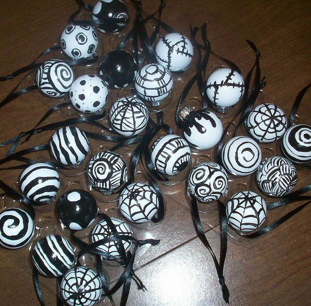 halloween tree ornaments by misscrinoline via flickr - Halloween Tree Decorations