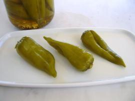 Πράσινες πιπεριές τουρσί - το πιο απλό τουρσί που μπορείτε να φτιάξετε | TasteFULL