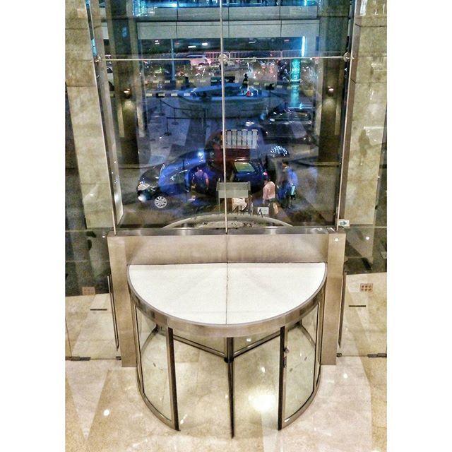WEBSTA @ jakaanindita - Silakan masuk #gate #mal #architecture #instajakarta #love #tagsforlikes #mall @kotakasablanka