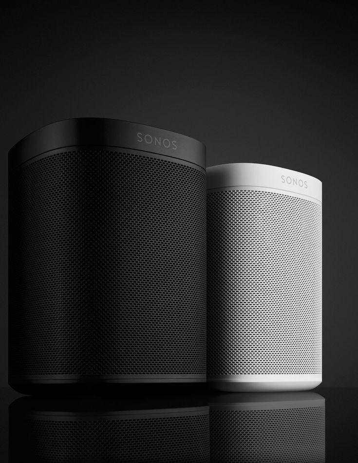 Mit der PLAY:1 Tone Limited Edition macht Sonos das Einstiegsmodell in die Welt des cleveren Musikstreamings noch ein bisschen sexier. In tiefem Schwarz oder reinem Weiß gehalten präsentieren sich …