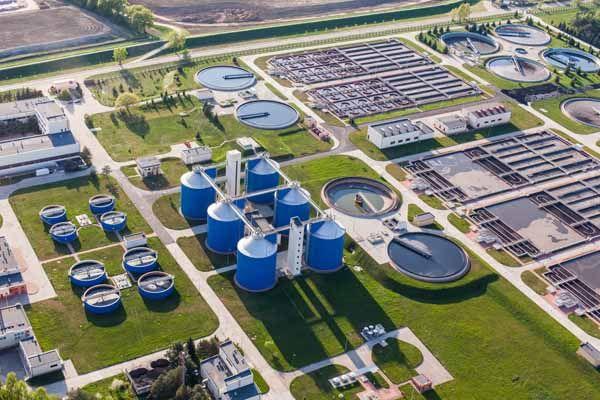 Estaciones Depuradoras De Aguas Residuales Edar Pequeños Microorganismos Grandes Riesgos Depuradora De Agua Aguas Residuales Tratamiento De Aguas Residuales