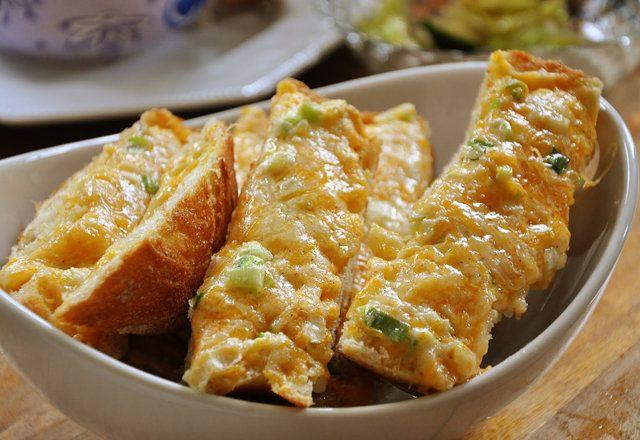 Peynirli sarımsaklı ekmek - Pratik Tarifler Haberleri