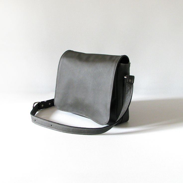 The Janet Saddles Sister handbag is handmade from quality soft cowskin leather.