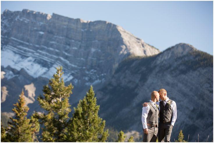 Rustic Banff Wedding at Buffalo Mountain Lodge   Modern Photography
