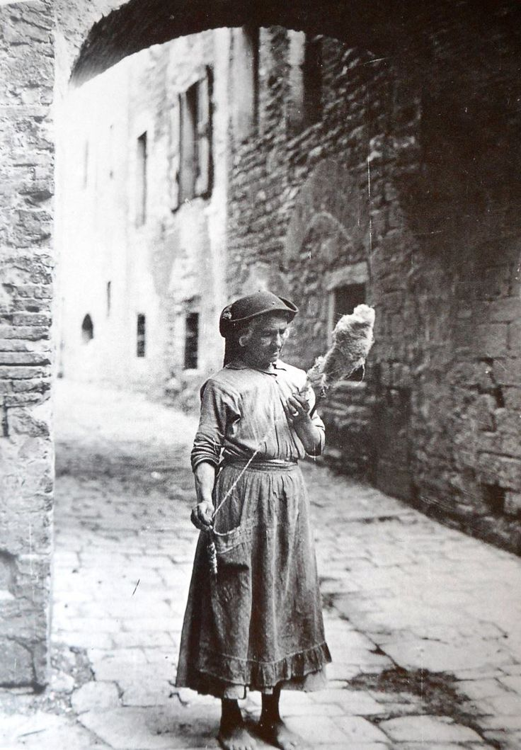 Italy, early 20th c.                                                                                                                                                                                 More