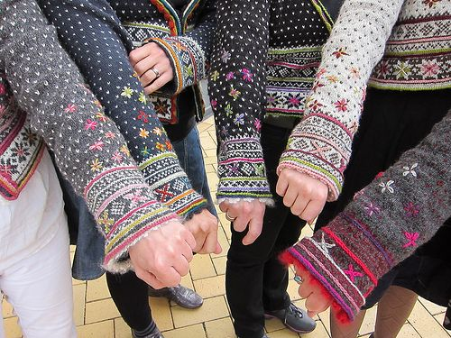 Fair isle sweater sleeves. #colourwork
