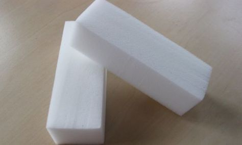 Ken jij die witte 'wondersponsjes'? Voor 80 cent koop je ze bij Kruidvat, je kan er zoveel mee!