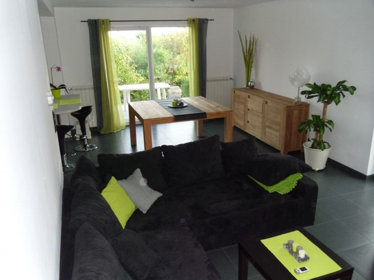 Green and black living room idea hisa pinterest - Green and black living room ideas ...