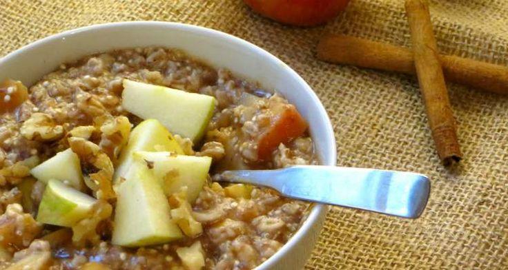 Serieus? Een appeltaart ontbijt? Ja een appeltaart ontbijt en dat ongestoord kunnen eten. Het kan nu met dit quinoa ontbijt dat smaakt als echte appeltaart!