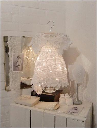 **gehaakt jurkje met lichtjes**